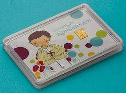 Zur Kommunion passend für Jungs: 1g Feingoldbarren in der Motivbox mit einer Illustration eines Jungen