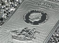 Differenzbesteuerter Münzbarren aus Silber von den Cook Island auf Silbergranulat